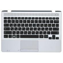 Клавиатура для ноутбука NP300U1A NP305U1A 300U1A 305U1A черная топ-панель серебристая BA75-03302C